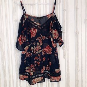Forever 21 woman's off the shoulder blouse. M